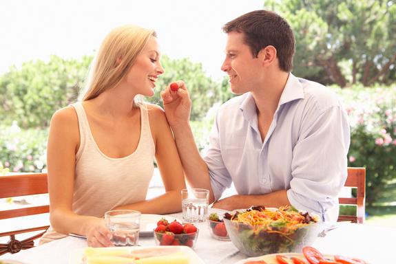 Tips 1 Menghadapi Pasangan yang Super Cuek - Datangya Tips Blog