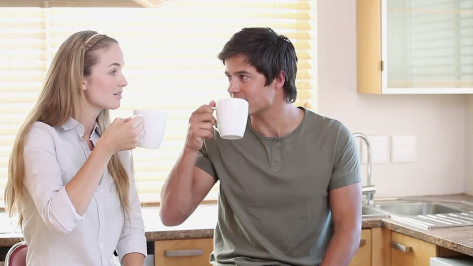 Tips 3 Menghadapi Pasangan yang Super Cuek - Datangya Tips Blog